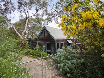 Photo for Tranquil Bush Cottage Getaway