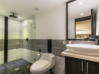 Photo for Luxury Dual Suite Apartments with double jacuzzi