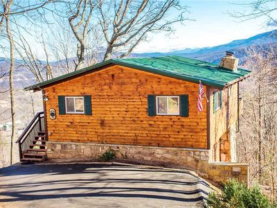Ski Mountain! Views of Gatlinburg + Smokies! Hot Tub! Pool Table! Pet Friendly!