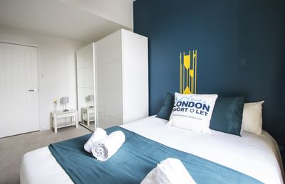 Photo for V3 3 Bedroom Apartment - Apartment for 6 people in London