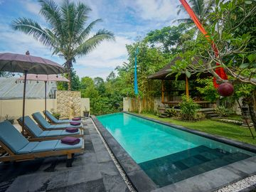 3+ Bedroom Villa with Pool and fresh breakfast