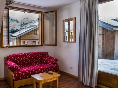 Photo for Chalet, 200m from shops, fitness, swimming pool, terrace, parking, tv, ski locker, 56m²
