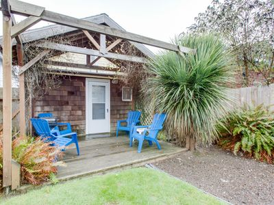 Photo for NEW LISTING! Dog-friendly cottage w/sunporch, full kitchen - near beach & town