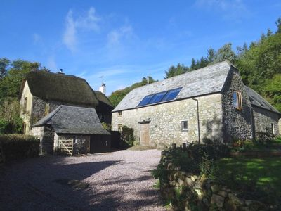 Photo for THE HAYLOFT, pet friendly, with open fire in Manaton, Ref 975818