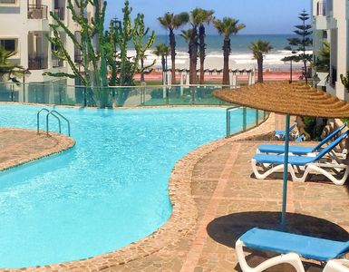 Homerez last minute deal - Nice apt with shared pool and balcony