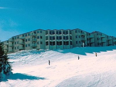 Save $$, 2-BR Mtn Lodge, Village Central, King Bed, 1st floor, Ski in/out,