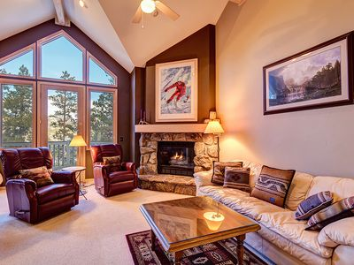 Photo for Perfectly located Breckenridge townhome, garage parking, pool access!