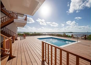 B1 Fabulous lagoon view, private pool, close to truck stop, extended stay