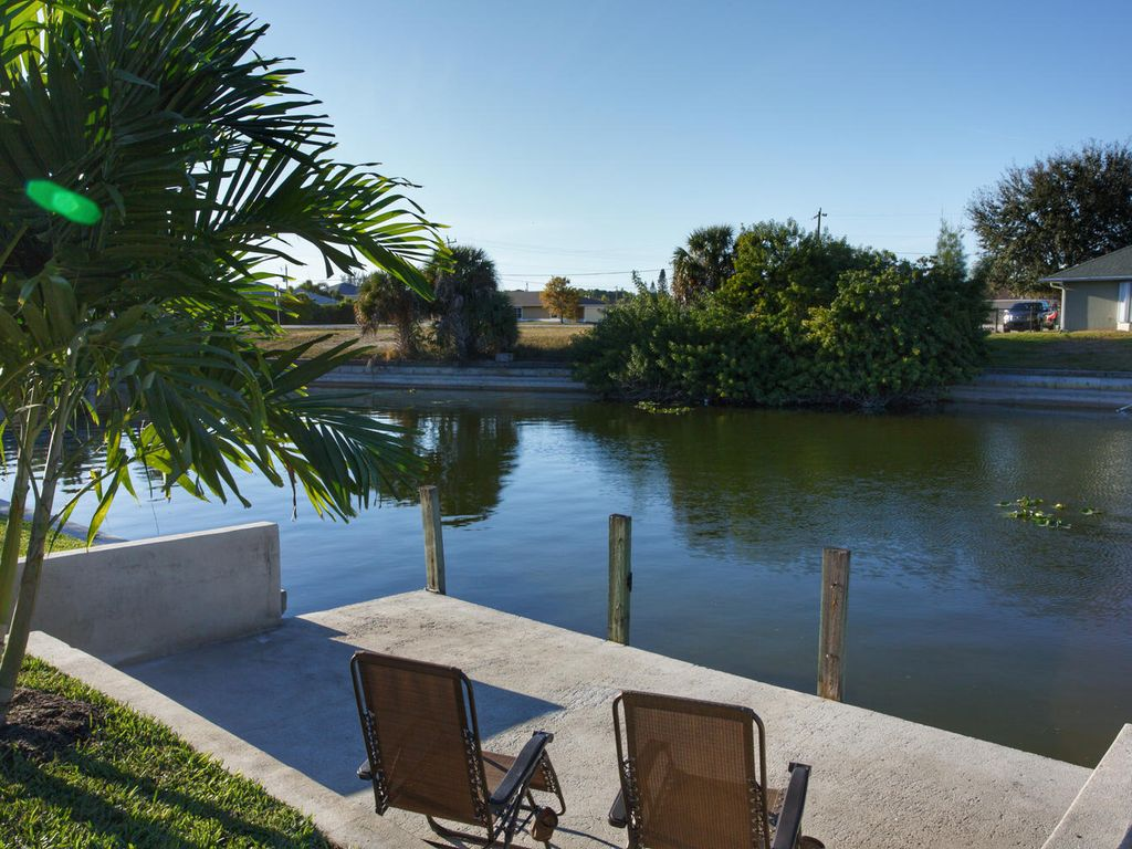 Good Times and Tan Lines... Modern, Updated, Freshwater Paradise! Must see!