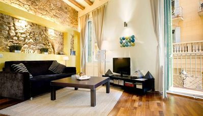 Photo for Homes in Blue - 1 bedroom, 1 bathroom apartment located in the heart of El Born, 5 minutes walk from the Picasso Museum, Santa Maria del Mar and the Ciutadella Park.