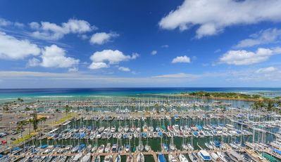 Photo for Aloha Condos, Ilikai Marina, Condo 1592, Oceanfront, AC