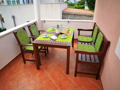 Photo for Two bedroom apartment near beach Betina, Murter (A-16742-a)
