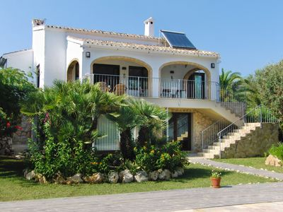 Photo for Lovely Villa in a secluded plot, large pool, 5 beds, great dining, WIFI, TV etc