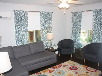 Photo for Spacious garage apartment in central historic Hyde Park