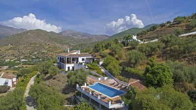 Photo for Gorgeous spacious family-friendly country villa, huge pool, stunning views