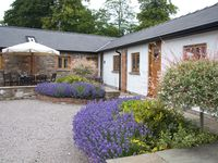 A great place for families to stay. Close enough to Abergavenny but definitely out in the country.