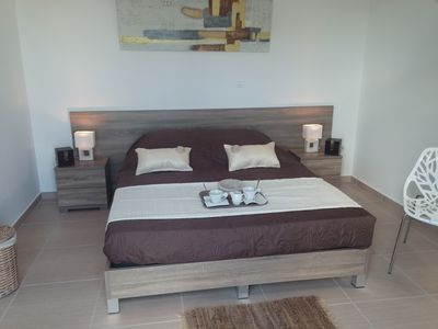 Photo for Room for rent overlooking the pool with sea views, with sea view.
