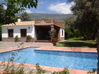 Los Cortijuelos is beautiful property located just outside Orgiva but within walking distance.