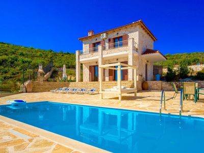 Photo for Luxury stone-built villa with private pool, panoramic sea-views, free wi-fi
