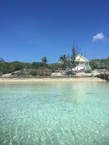 Photo for 5 minutes from Harbour Island!