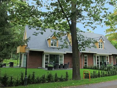 Photo for Centrally located, luxury property with a large garden in Overijssel