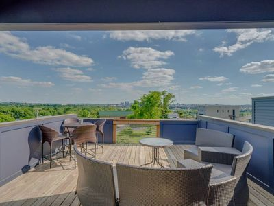 Photo for Large Rooftop Terrace - 2 miles to Broadway
