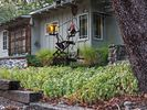 2BR Cottage Vacation Rental in Junction City, California