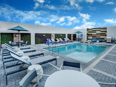 Photo for Couple's Miami Escape! Lovely King Studio, Pool, Breakfast, Close to Attractions
