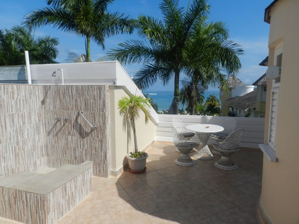 Property Image#1 2 Bedroom Penthouse, Roof Top Patio   Outdoor Shower    Paradise