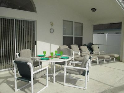 South facing lanai for outdoor meals and sun tanning
