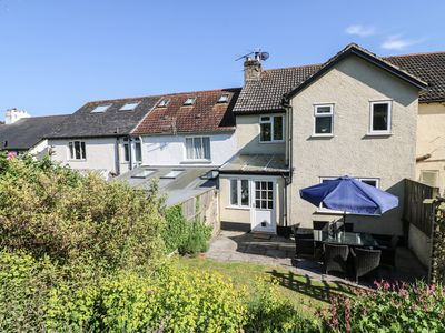 Photo for HEATHERCLIFFE, pet friendly, with open fire in Beer, Ref 967581