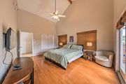 NEW! Luxury Houston Townhome 2 Miles to Downtown!