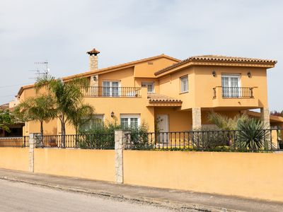 Photo for MAGNIFICENT HOUSE IN THE DELTA DEL EBRO, WITH PRIVATE WIFI, SWIMMING POOL AND PARKING