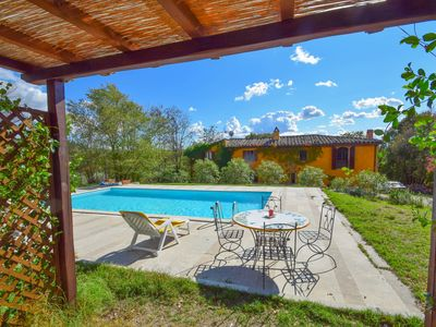 Photo for House with private pool, 600 meter from Rigomagno, 35km from Siena and Arezzo