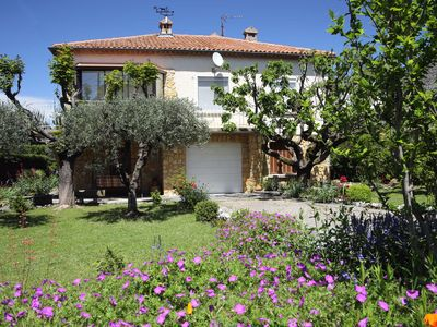 Photo for Villa 100m2 with enclosed garden planted with trees close to the city center