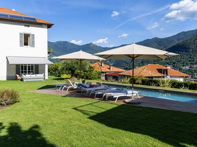 Photo for Moltrasio Villa & Cottage with Pool and Lake View