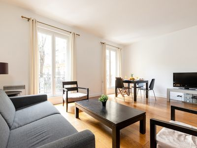 Photo for SPACIOUS APARTMENT IN THE HEART OF 8TH - PARC MONCEAU - COURCELLES - 5TH FLOOR