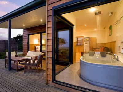 Photo for Coastal View Cabins, Luxury Spa Wilsons Promontory