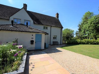 Photo for 2 bedroom Cottage in Rutland Water - 74166