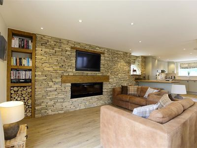 Photo for OLD GROOM'S COTTAGE, family friendly in Minster Lovell, Ref 988796