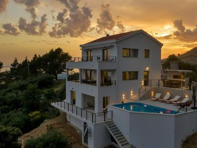 Photo for Holiday house Makarska for 8 persons with 4 bedrooms - Holiday house