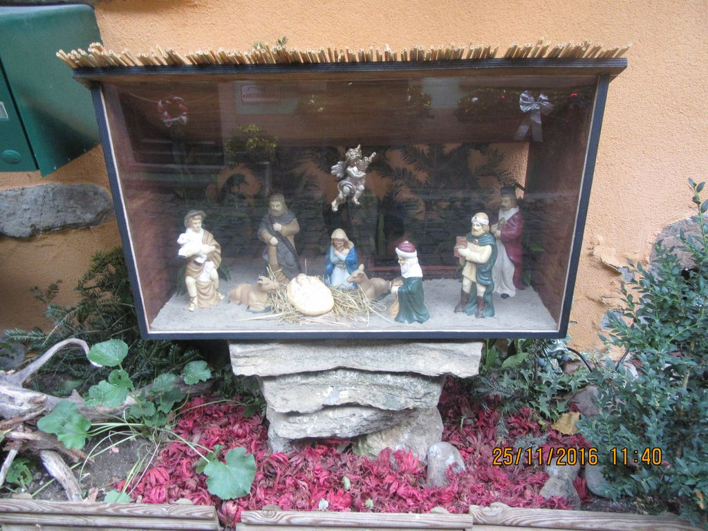 eguisheim dating site Information like what's so special about each village or site,  wissembourg is a large medieval village with over 70 houses dating from  20 eguisheim is a .