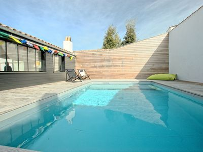 Photo for Very nice villa with swimming pool heated in St-Martin-de-Ré