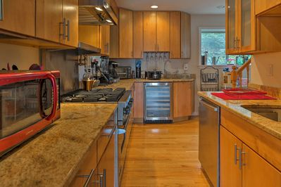Stainless steel appliances make home-cooking more than enjoyable.