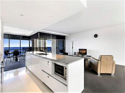 Photo for ❤️42 Levels Above Cavill Avenue - Circle 2 bedroom apartment 24201