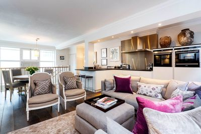 2 Bed 2 Bath Home In Fantastic Location Near Buckingham Palace Veeve City Of Westminster