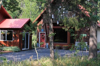 Come home to a beautiful quiet lodge after a day of hiking and exploring YNP!