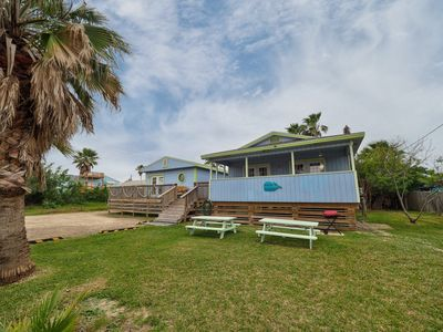 Photo for Adorable and Comfy 2 BEDROOM/1 BATH Sleeps 8! ONE BLOCK from the BEACH w/ YARD!