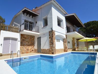 Photo for Club Villamar - Beautiful luxury, detached villa for 6 people with private pool, sea views and ju...