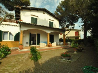 Photo for In a villa with big garden, mt. 30 far from the sea